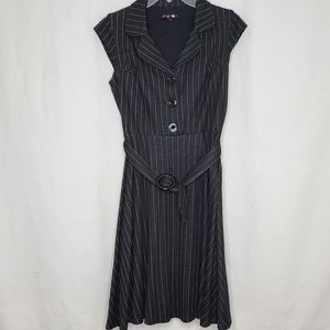 Betsey Johnson 4 Striped Sleeveless Belted Dress